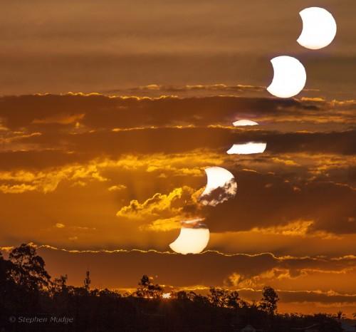 Posta de Sol i de Lluna a Brisbane. Apod.cat